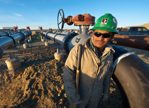Pipeline worker, Wyoming
